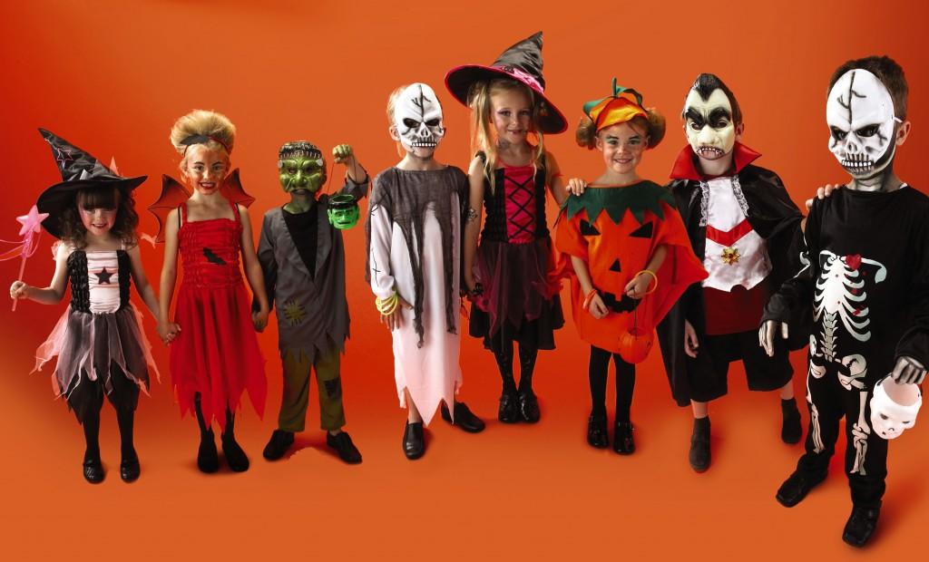 Дети в карнавальных костюмах, Хэллоуин