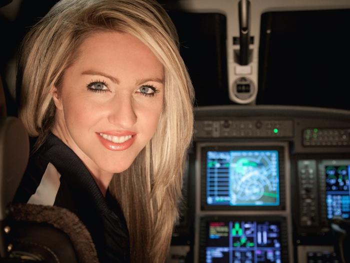 Женщина-пилот