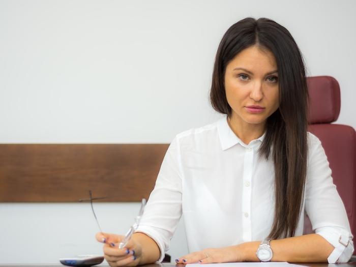 На какую работу стоит устроится женщине