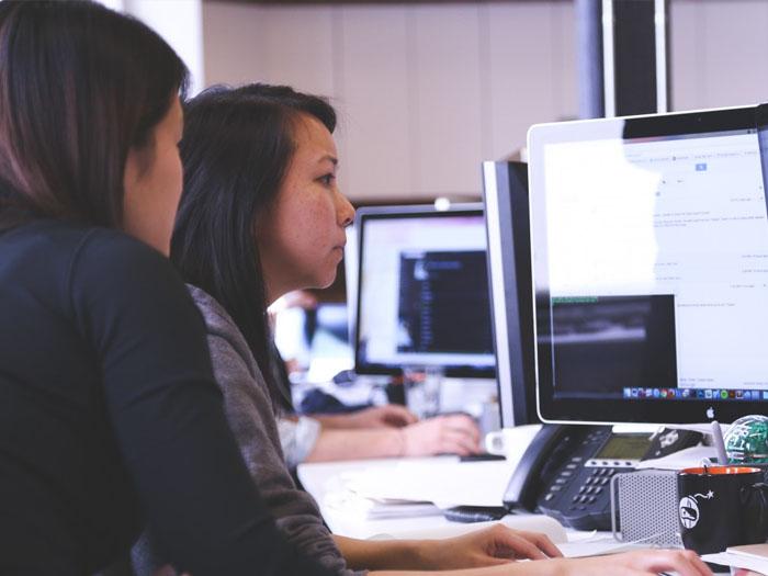 Как правильно думать и поступать работая в женском коллективе