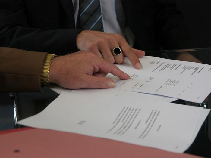 Договор аренды или покупки стоит внимательно изучить и подождать разрешения от Ропотребнадзора