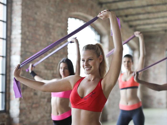 Нужно правильно проводить свое свободное время, лучше всего уделить время спорту или активному отдыху