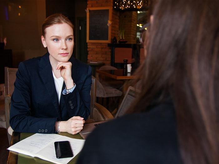 """Где лучше работать женщине, как правильно """"продать"""" себя работодателю"""