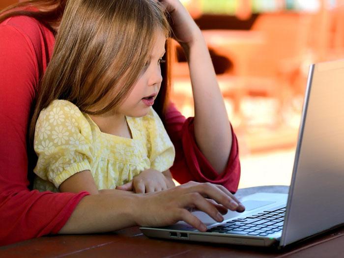 В декрете или при беременности можно найти массу вакансий для работы
