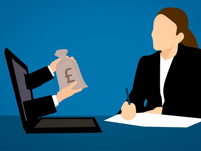 Выплаты можно получать в разной валюте, в зависимости от выбранного региона