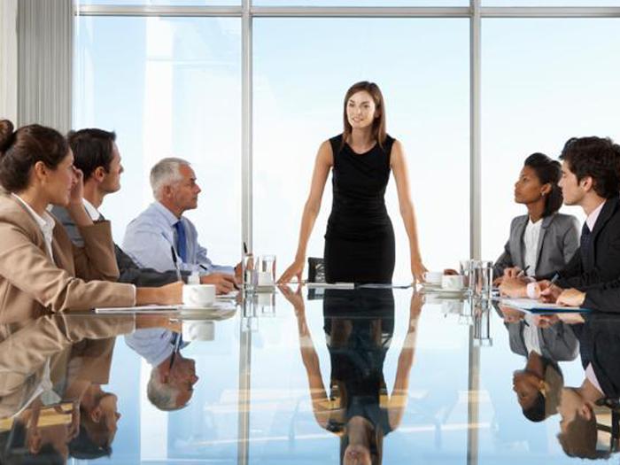 Женщина менеджер