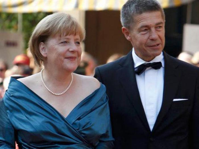 Меркель с мужем