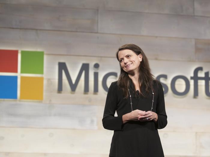 Эми Худ - финансовый директор Microsoft