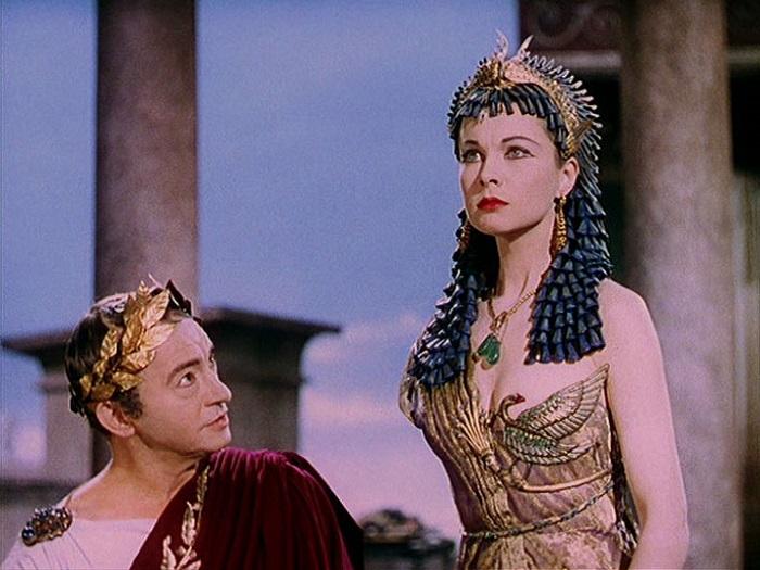 Ли в роли Клеопатры