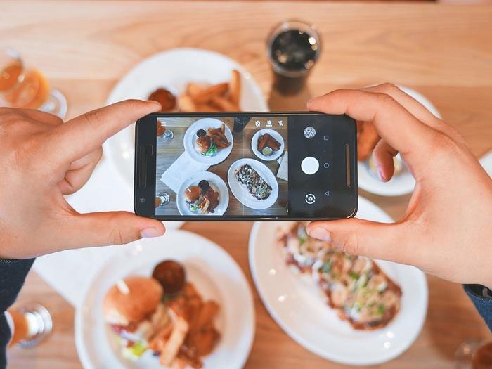 Постройте кадр так, чтобы ваша еда казалась самой вкусной