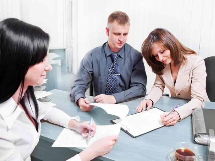 С кем и чем предстоит работать, зависит исключительно от должности
