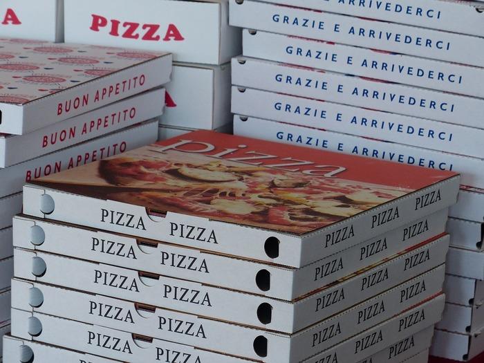 Самой большой популярностью пользуется доставка суши и пиццы