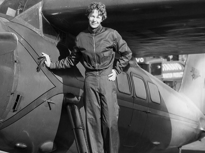 Амелия и ее самолет